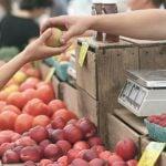 Apples Farmers Market Business Buy  - Pexels / Pixabay