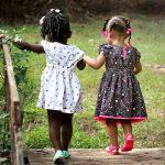 Girls Children Friends Kids Young  - cherylholt / Pixabay