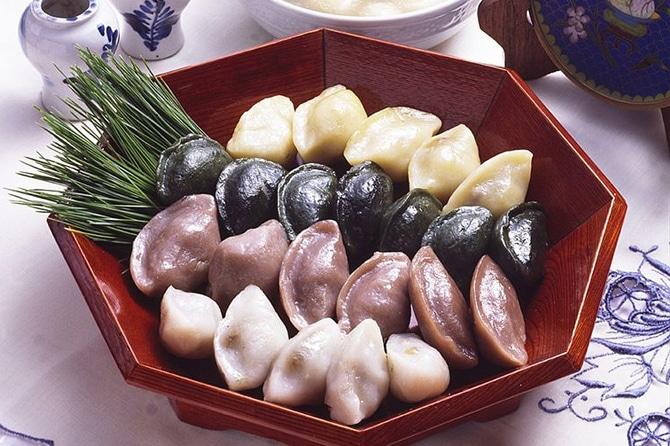 Les Songpyeon à l'honneur lors de Chuseok, la fête des récoltes en Corée du Sud.